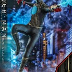 hot-toys-spider-man-black-gold-suit-sixth-scale-figure-spider-man-no-way-home-mms-604-img03