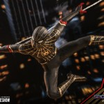 hot-toys-spider-man-black-gold-suit-sixth-scale-figure-spider-man-no-way-home-mms-604-img12