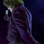 infinity-studio-the-joker-the-dark-knight-life-size-bust-dc-comics-collectibles-img08