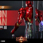 hot-toys-iron-man-mark-iii-construction-version-sixth-scale-figure-ds003-marvel-img07