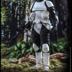 hot-toys-scout-trooper-sixth-scale-figure-star-wars-return-of-the-jedi-mms-611-img06