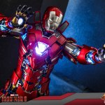 hot-toys-iron-man-silver-centurion-armor-suit-up-version-sixth-scale-figure-marvel-mms-618-d43-img13