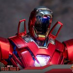 hot-toys-iron-man-silver-centurion-armor-suit-up-version-sixth-scale-figure-marvel-mms-618-d43-img14
