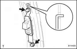 (e) Remove the 2 bolts, the 2 hooks and the retractor.