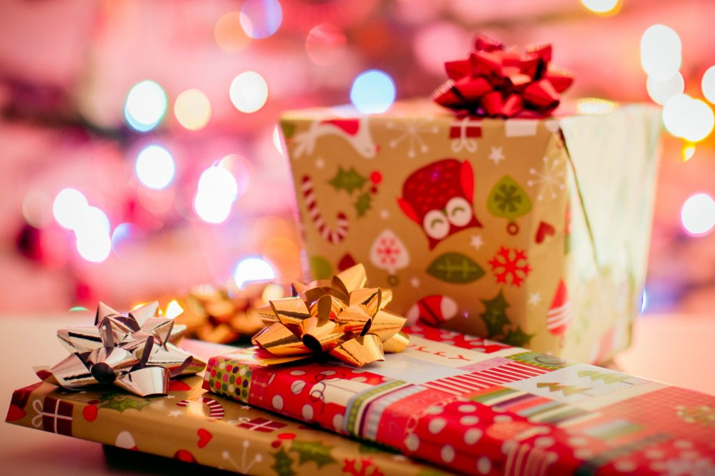 regalos navidad christmas gifts emotions surprise HOW TO HIT WITH GIFTS?