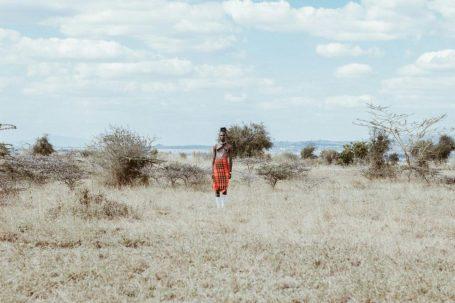 africa indigene siccità campo stepa LA MACCHINA CHE È CAPACE DI PRODURRE ACQUA POTABILE ANCHE NEL DESERTO