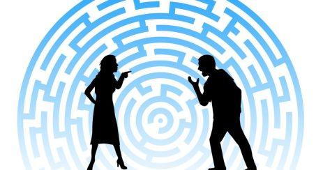 coppia discusione  INCOMPRENSIONI DI COPPIA A NATALE