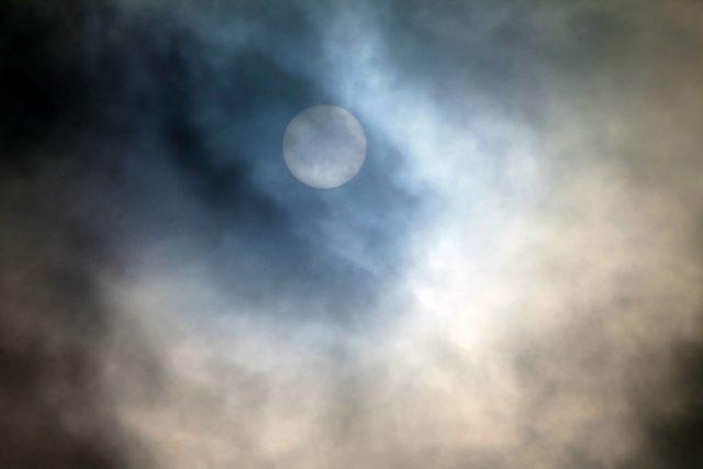"""luna piena notte cielo magia LA LISTA NERA DELLE PIANTE """"PROIBITE"""" NELL'ANTICHITÀ"""