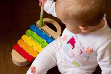 bebé niño jugar