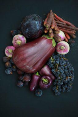 alimentos viola berenjenas zanahorias uvas pimientos púrpura  LA ZANAHORIA: LA MALDICIÓN DEL COLOR PÚRPURA