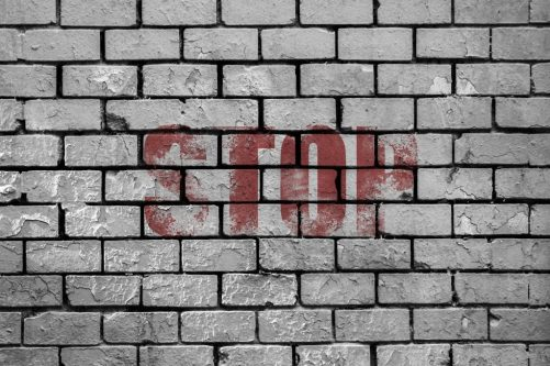 stop muro CUANDO NOS RECHAZAN PERSONAS QUE NO NOS CONOCEN