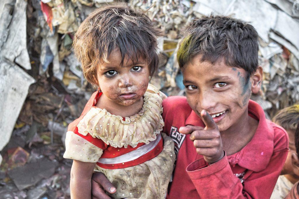 pobreza niños falta carencia hambre agua marginación  SOS TIERRA