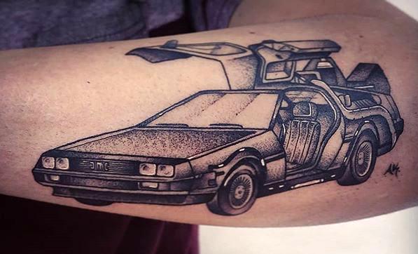Aida Karrotina geek dans la peau best of tattoo back to the future