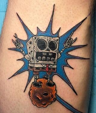 Joe Atherton geek peau bob eponge spongebob squarepants tattoo tag