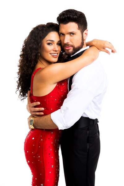 Christie Prades as Gloria Estefan and Mauricio Martínez as Emilio Estefan.