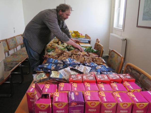 preparing food supplies
