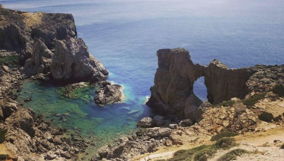 Isola greca cerca abitanti si chiama Anticitera ed  un