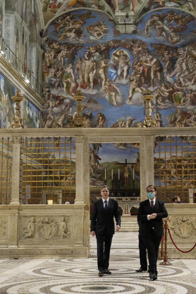 Blinken arrives at the Vatican, visits the Sistine Chapel