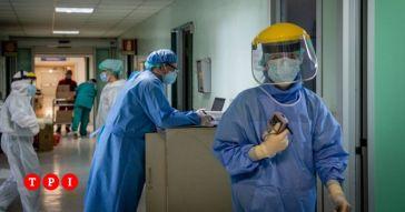 """""""Vi aspetto in terapia intensiva, con un pizzico di piacere"""": infermiere punito per un post contro i no vax"""