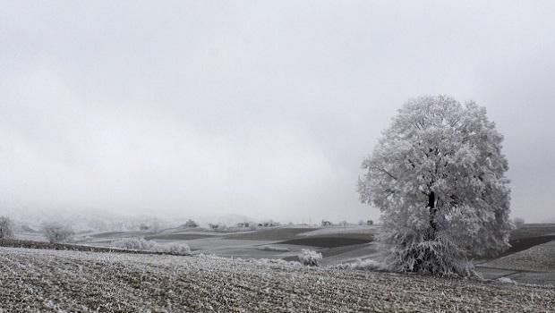 Photo of OPET SMRZAVANJE: Još danas toplo, za vikend nepogode, olujai grad, a u ponedeljak sneg!