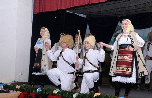 Photo of U Knežici održana završna priredba Takmičenja sela Petrovac na Mlavi (FOTO)