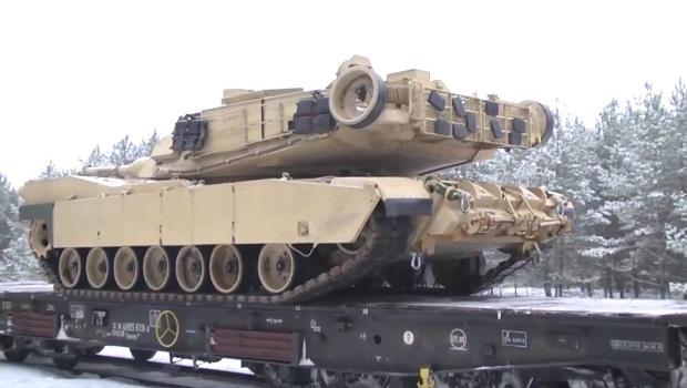Photo of PRED GRANICAMA RUSIJE: Američki tenkovi i oklopna vozila pristižu u Poljsku (VIDEO)