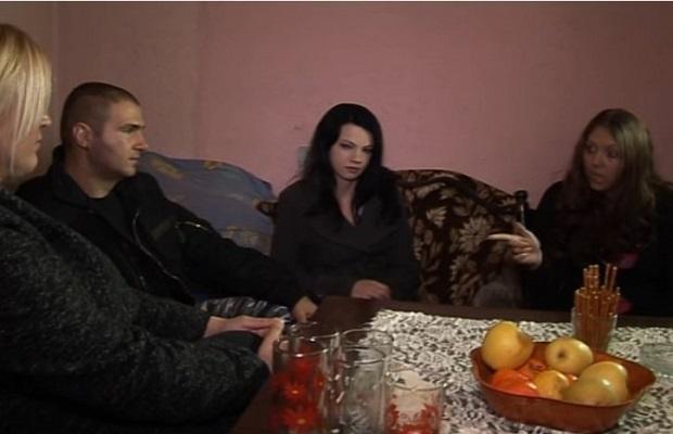 Photo of DRAMA KOD PETROVCA NA MLAVI: Mislio da ga žena vara s njegovim dedom, od prave istine se zamalo šlagirao! (VIDEO)