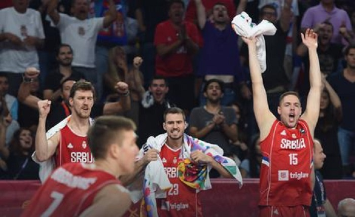 Photo of PALA I RUSIJA: Srbija je u finalu Evropskog prvenstva! (VIDEO)