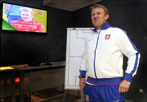 Photo of PRVI PIK: Robert Prosinečki menja Muslina na klupu fudbalske reprezentacije Srbije?