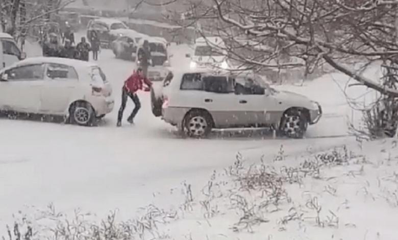 Photo of OPŠTI KARAMBOL U RUSIJI: Na stotine sudara zbog prvog snega! (VIDEO)