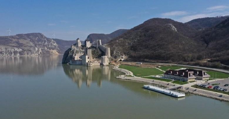 Photo of UZBUDLJIV VREMEPLOV KRAJ DUNAVA: Srednjovekovna Golubačka tvrđava za praznike privukla više od 15.000 turista