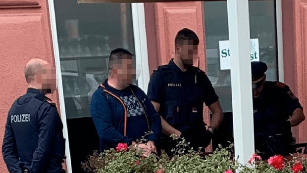 Photo of UHAPŠEN PETROVČANIN U BEČU: Na Srpskom psovao majku kontroloru parkinga jer mu napisao kaznu