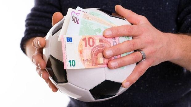 Photo of Zašto se već drugu godinu za redom troše budžetske pare iz opštine Kostolac na kupovinu utakmica u Vezičevu?