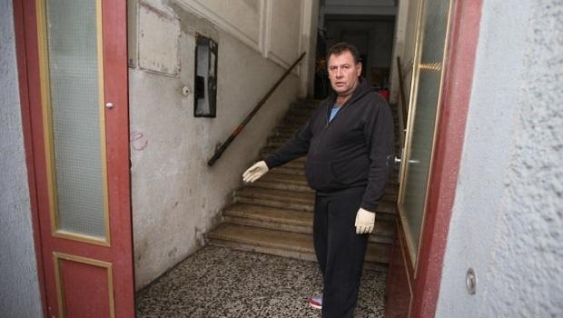 Photo of NOVO KRVAVO UBISTVO U BEČU: Srbin (32) krvnički izboden na stepeništu, policija traži ubicu!