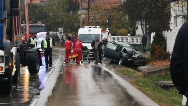 Photo of TEŽAK UDES KOD PETROVCA NA MLAVI: Ljubiša poginuo u direktnom sudaru kamiona i automobila