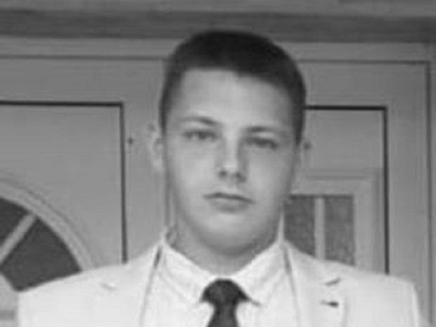 Photo of PREOKRET: Markov rođak tvrdi da nije menjao sijalicu, ubila ga struja iz oluka?!