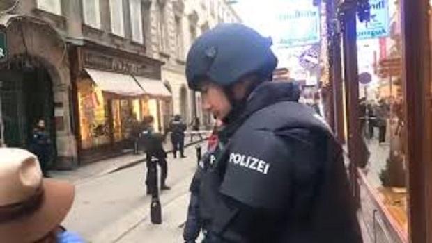 Photo of SRBIN SPASAO BEČ: Dvojica čečenskih terorista spremali se da unište centar grada!
