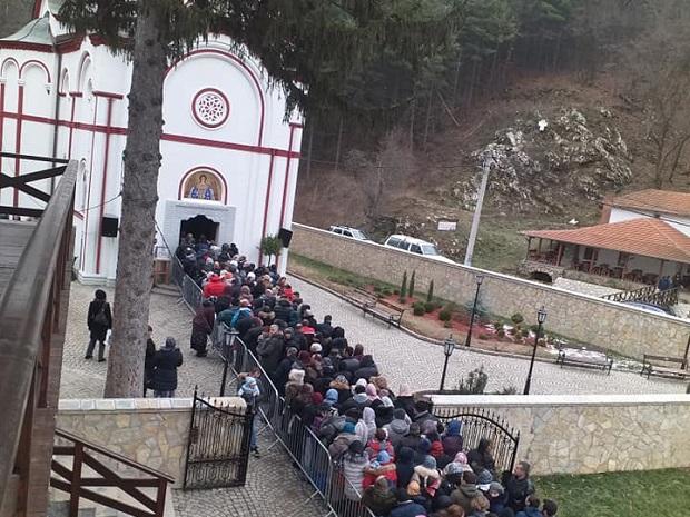 Photo of Bratstvo manastira Tumane pomaže bogoslovije u Srbiji (FOTO)