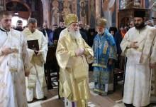 Photo of UPORNOST I RAD SE ISPLATE: Patrijaraška Liturgija u manastiru Tumanu (VIDEO)