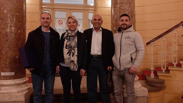 """Photo of POČINJE IZBORNA TRKA: Grupa građana """"Glas naroda"""" predala listu za izbore u Velikom Gradištu"""