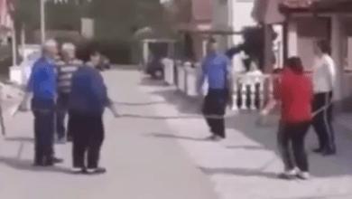 Photo of HIT SNIMAK IZ SRBIJE: Ovako se igra kolo u doba korone! (VIDEO)