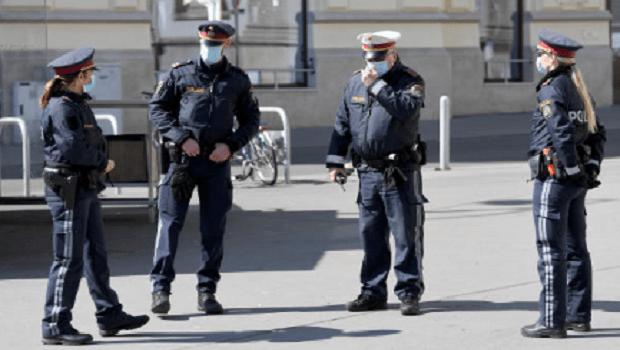 Photo of PLJUŠTE PAPRENE KAZNE: Austrijska policija nemilosrdno kažnjava