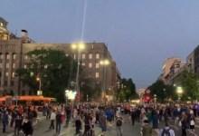 Photo of BEOGRAD GORI OD BESA: Beograđani izašli na ulice, ljuti zbog novog zatvaranja (VIDEO)