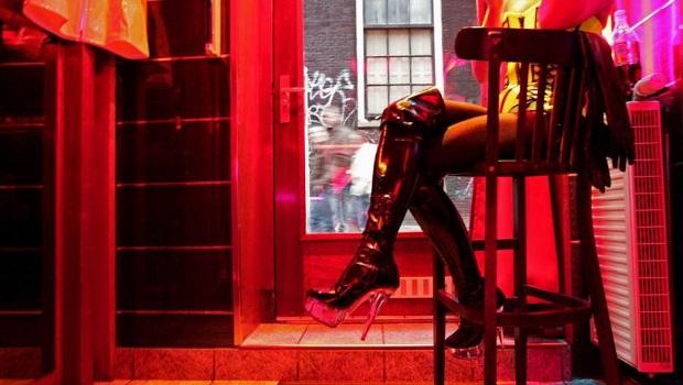 Photo of IZBEGAVAJTE SAMO GRUPNI SEKS: Austrija dopustila pružanje seksualnih usluga, ali preporučuje maske