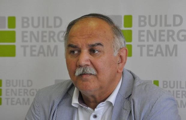 Photo of IZGUBIO BITKU SA KORONOM: Preminuo otac ministra policije Nebojše Stefanovića
