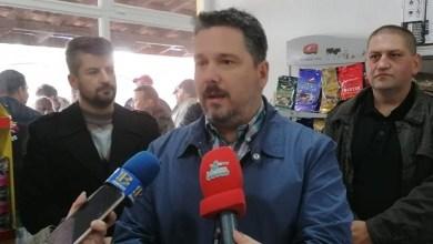 Photo of NAKON BANDERE: Zbog švedskog stola i ljute, petrovački opštinari svečano otvorili poljoprivrednu apoteku