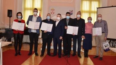 Photo of BORBA PROTIV KORONE: Nagrađeni gradištanski poslušni stranački medicinari