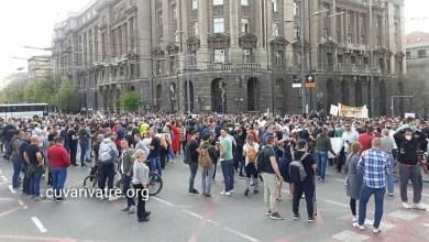 """Photo of Počeo """"protest za opstanak"""" ispred Vlade Srbije (VIDEO)"""