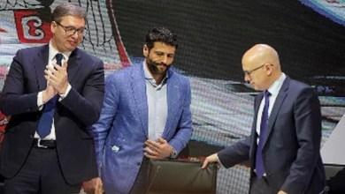 Photo of SA SOBOM POVEO I SVOJE DEVERUŠE: Nije se Šapić džaba udavao, za pola sata postao potpredsednik SNS