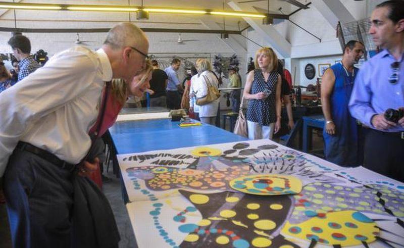 Recorrido de la delegación del Comité Presidencial para las Artes y las Humanidades de Estados Unidos, de visita en la Universidad de las Artes de Cuba. Foto: Tomada de Google